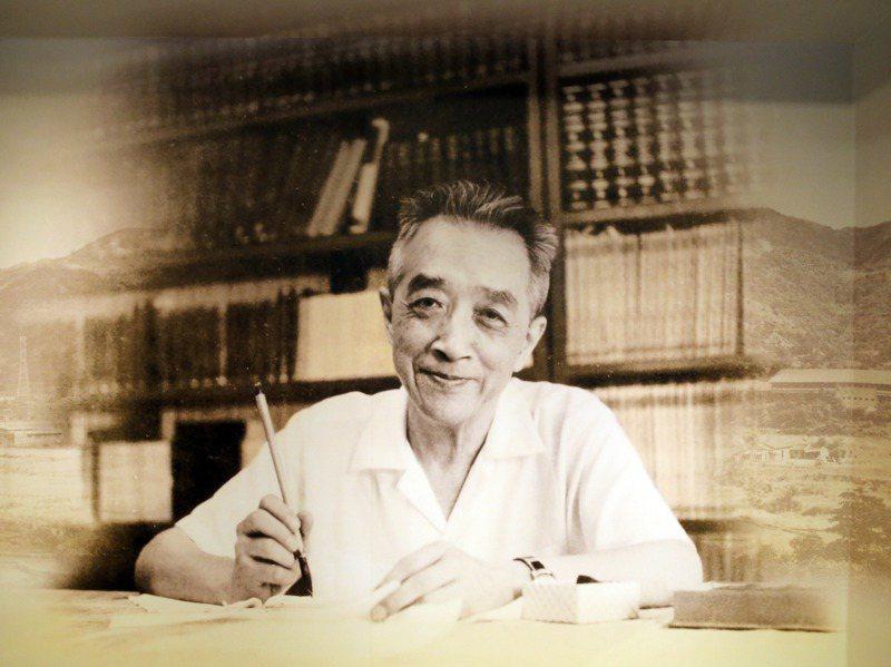 胡適早年留美的「胡適留學日記」,日前在北京拍出約新台幣6億元。圖為胡適紀念館內的胡適照片。記者許正宏/翻攝
