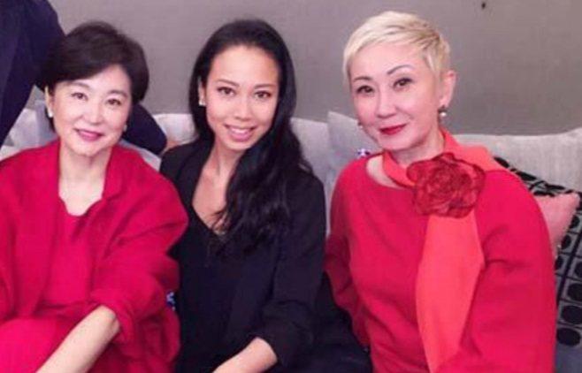 林青霞(左起)昔過生日,繼女邢嘉倩、施南生都來同樂。圖/摘自Instagram