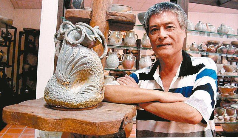 陳建智曾是道上大哥,後來在陶藝界闖出一片天。記者王昭月/攝影