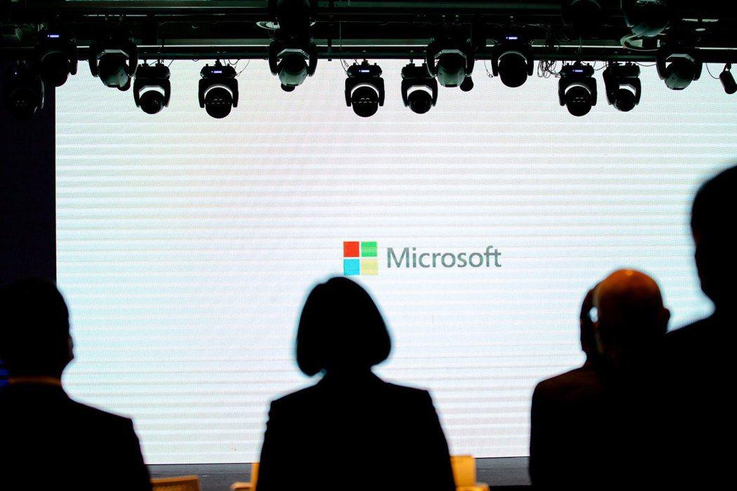 因應未來的美中數據戰,微軟等CSP也必須做出更妥善的安排。 圖/總統府Flickr