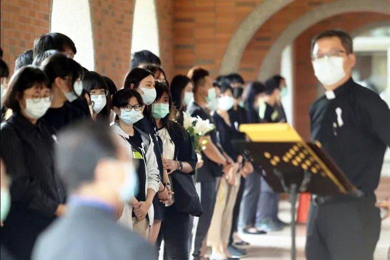 馬來西亞籍女性大學生命案發生後,長榮大學在校內舉辦追思會。  圖/聯合報系資料照