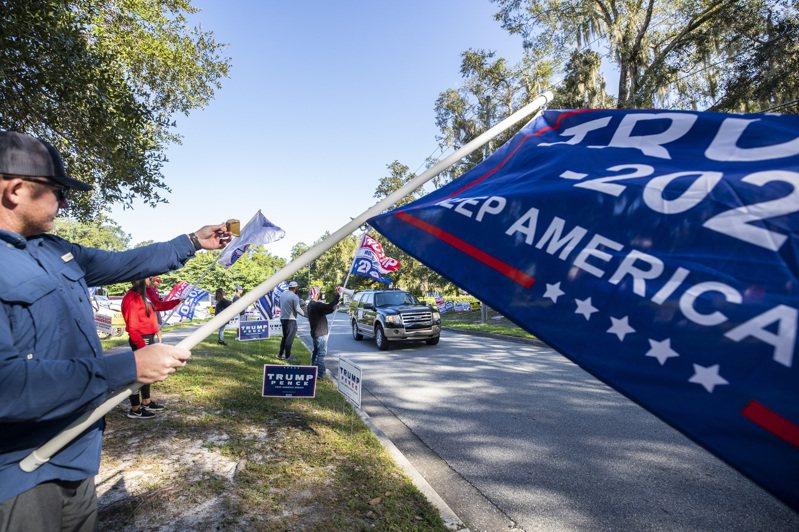 在佛州開出80%選票後,拜登只小贏0.4%。美聯社