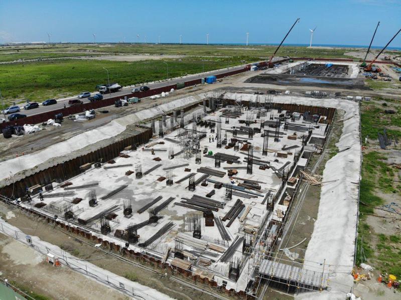沃旭丹麥的大彰化東南及西南第一階段離岸風場兩座陸上變電站,主建築物地基工程工程如火如荼進行中。 圖/沃旭丹麥提供