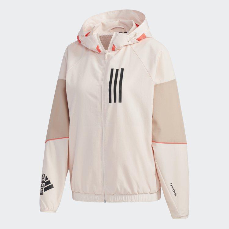 張鈞甯同款W.N.D.運動外套3件65折起。圖/adidas提供