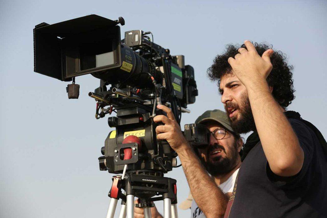 緝毒風暴》導演薩伊德盧斯塔伊,拍攝時專注的神情。捷傑提供