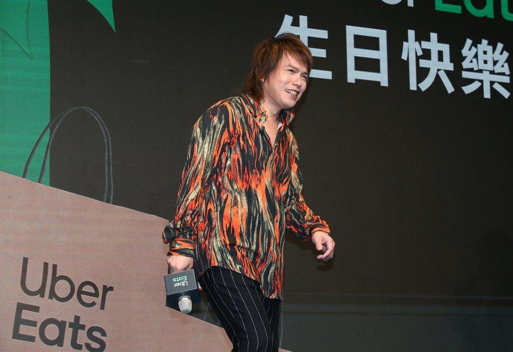 歌手伍佰出席UberEats外送平台活動。記者曾原信/攝影