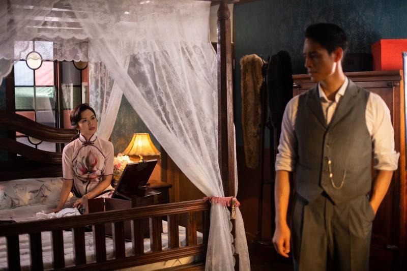 周家漢(右)首次主演,以「最後的夫人」入圍亞洲電視大獎數位平台最佳男主角獎,特別