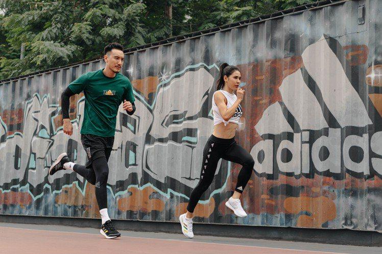 王陽明(左)和雷理莎(右)在活動上領跑,替即將到來的台北馬拉松賽事暖身。圖/ad...