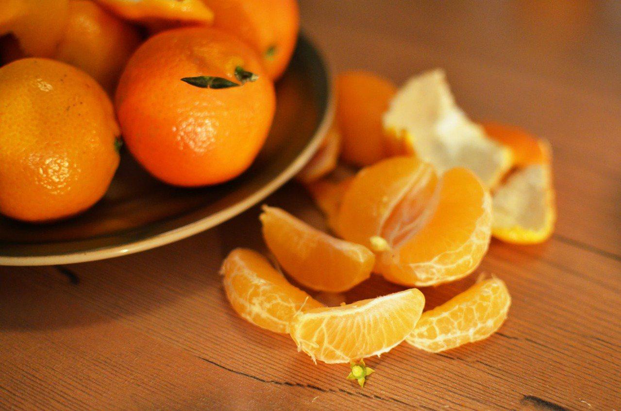 立冬也就代表橘子的產季要到了,台灣橘子種類眾多,像是椪柑、桶柑、茂谷柑等等,橘子...
