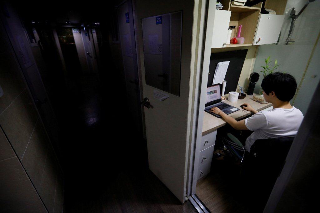 疫情之下,日本大學的課程大多都在線上授課。示意圖。 圖/路透社