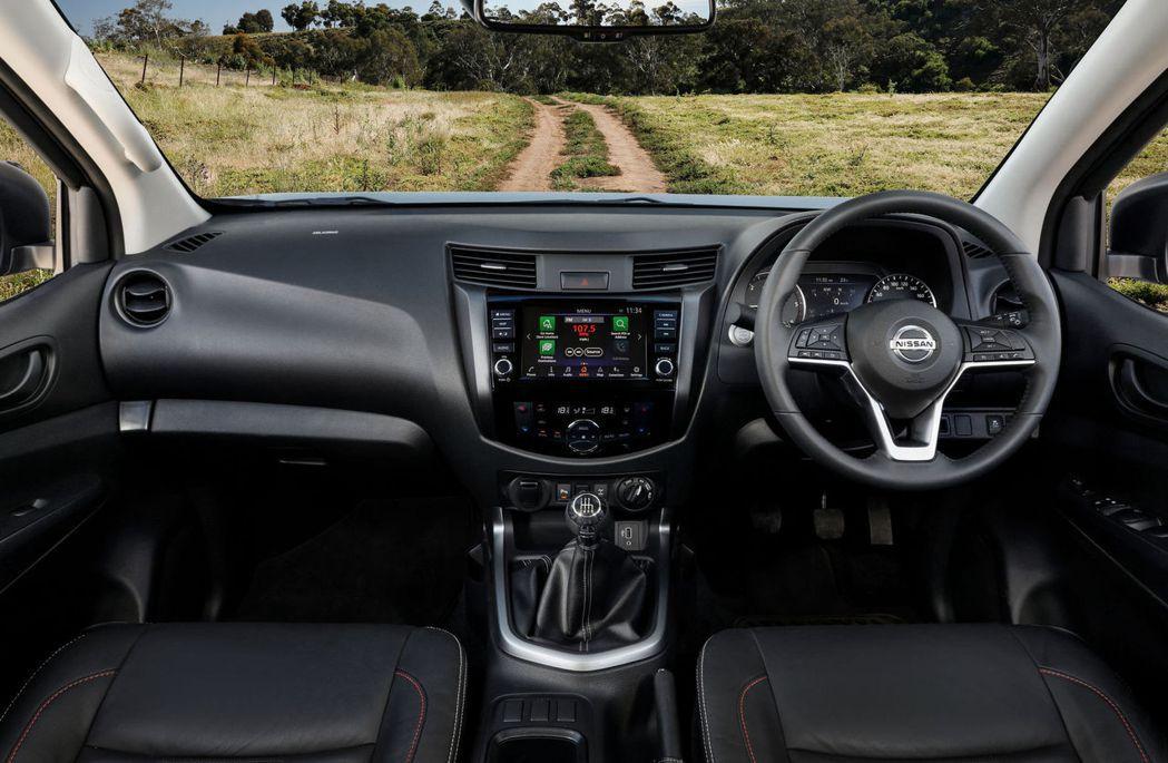 2021 Nissan Navara內裝做了方向盤和車載娛樂系統的更新。 圖/N...