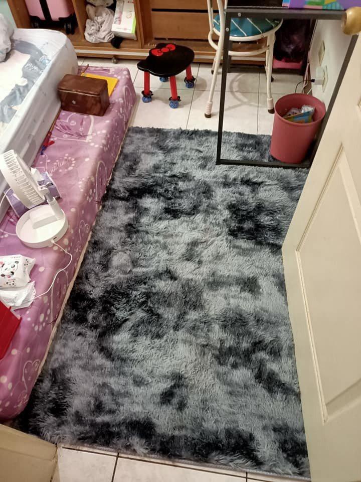 一名女網友表示,樓下搬來的新住戶不斷抱怨她家很吵,但她家就算已鋪上巧拼與地毯,盡...