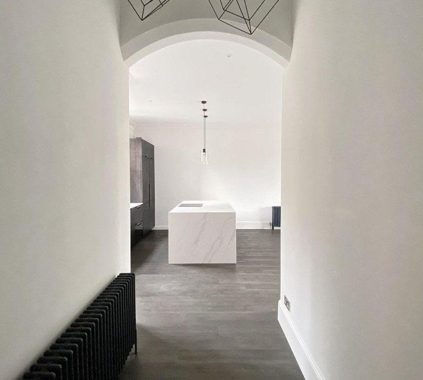 COMPAC西班牙康沛石熱銷設計作品UNIQUE CALACATTA是承襲來自義...