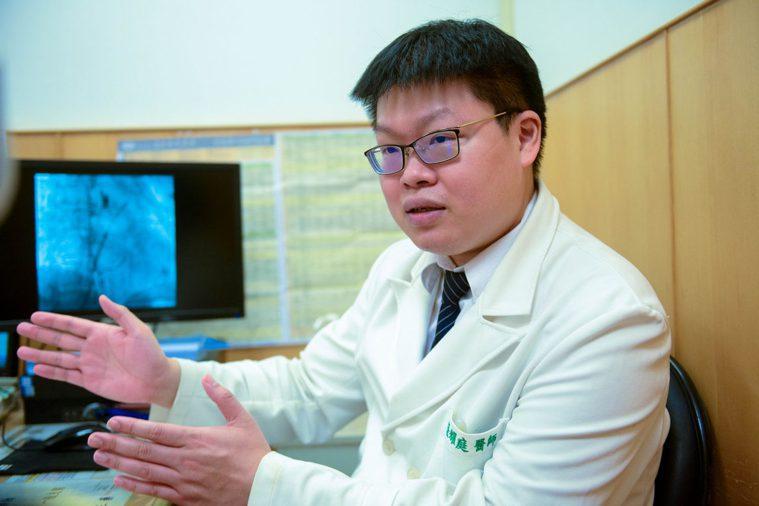 心臟內科張耀庭醫師提醒,心臟病患者應注意身體警訊,若出現任何不適症狀,都應積極就...