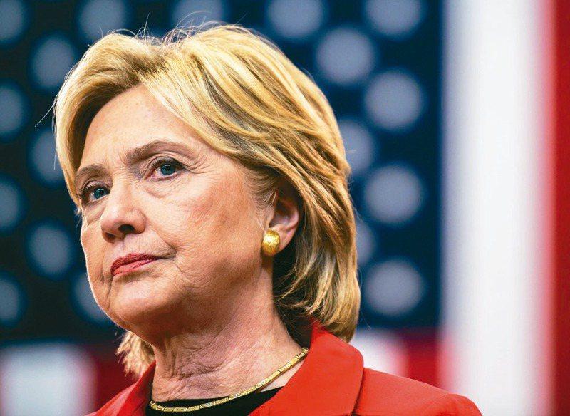 73歲的希拉蕊.柯林頓選前撰文談軍事改革,是否將成為美國首位女性國防部長,引人關注。法新社