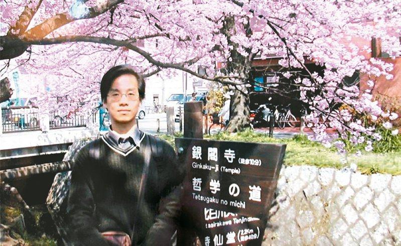 2003京都滿開的櫻花,似乎與正經歷sars侵襲的地方呈現兩種截然不同的面貌。(圖/向鴻全提供)