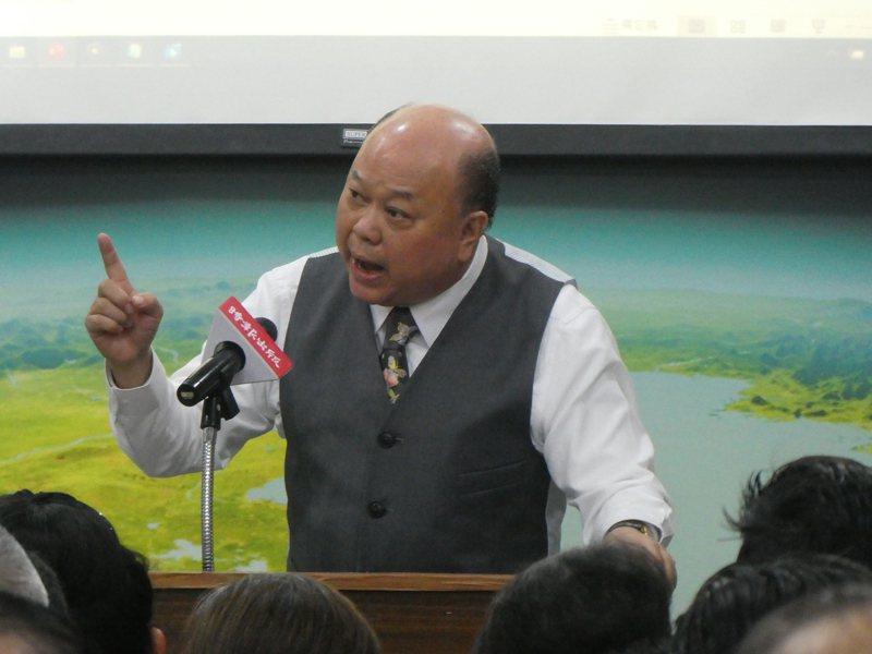 新黨副主席李勝峯昨天發表新書「台灣謀略」。記者周志豪/攝影