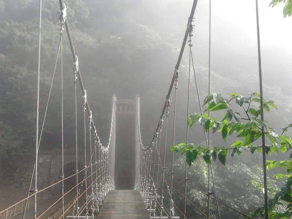 蔡昆宏推薦獨立山、大籠頂路線當中,獨立山情人橋可是他的最愛。 圖/蔡昆宏 提供