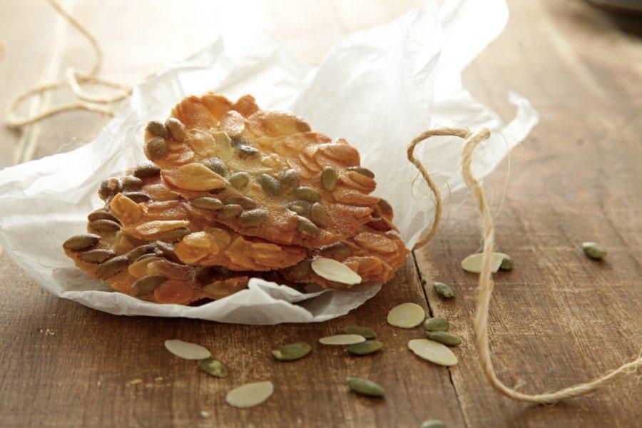 杏仁瓦片酥鬆可口。 圖/上優文化提供