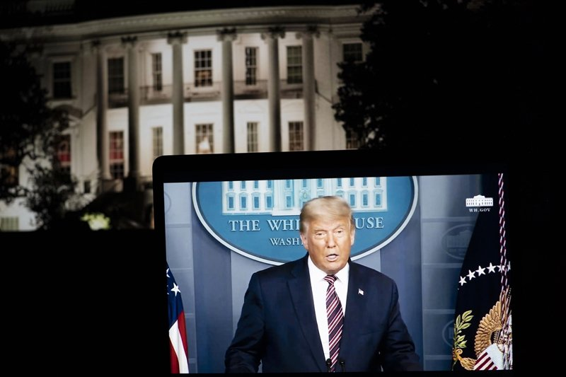 大選前夕,白宮發表的《川普論中國》文集再度抨擊中共。圖為11月5日川普在白宮的記者會。 圖/新華社