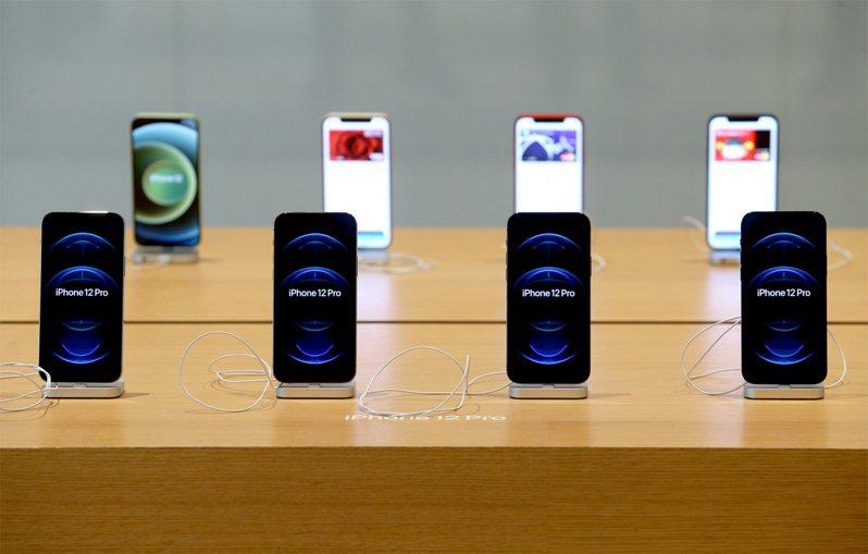 圖為蘋果iPhone 12、12 Pro。聯合報系資料照片/記者余承翰攝影
