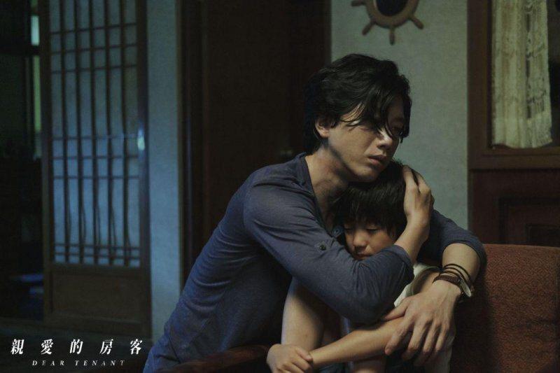 林健一扮演著父代母職的角色@Yahoo!電影
