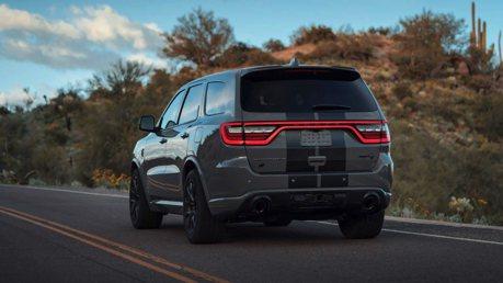 影/710匹馬力最強7人座SUV!Dodge Durango SRT Hellcat限量登場!