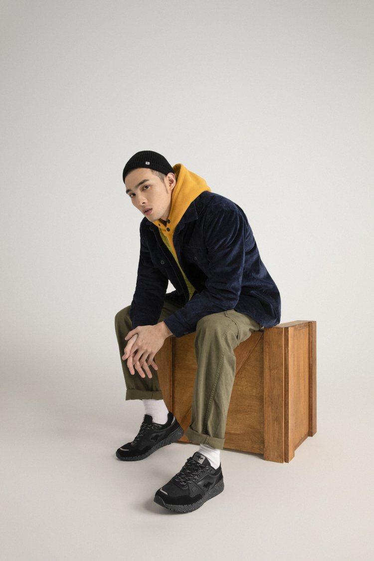黃偉晉詮釋KangaROO SHIELD FUTURE潮山野復古系列鞋2,080...