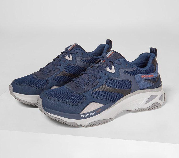 Skechers復古運動鞋3,390元。圖/Skechers提供