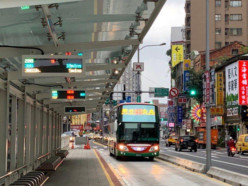 公車或是客運是一般社會大眾通勤、出遊不可或缺的交通工具。圖/北市交工處提供