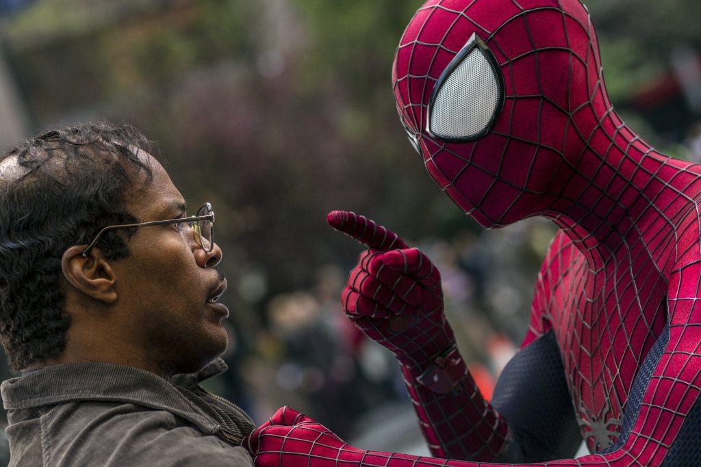 電光人(左)大受漫威電影掌門人的青睞,蜘蛛人的表現卻被抨擊。圖/摘自imdb