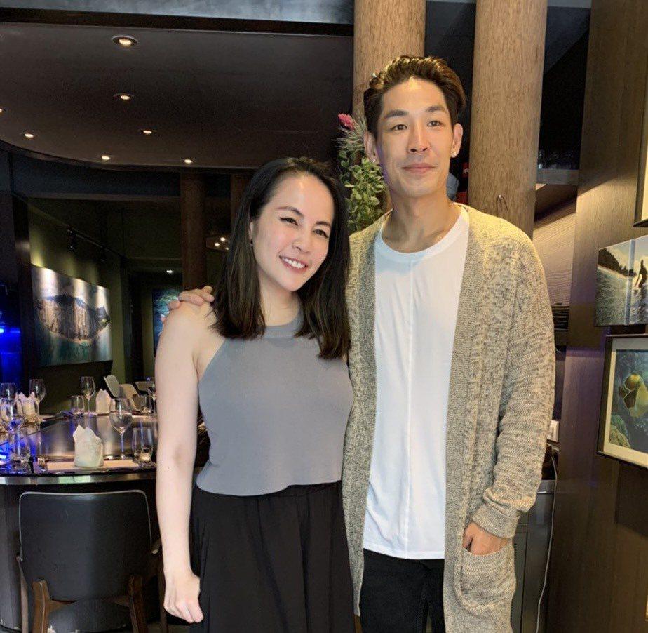藍鈞天(右)與小提琴家老婆Fiona歡度結婚5周年紀念。記者陳慧貞/攝影