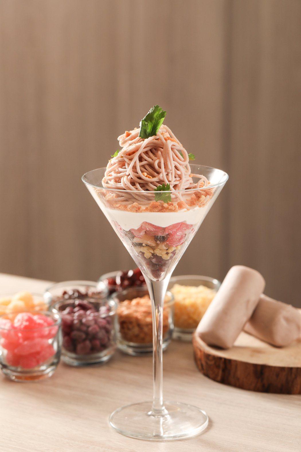 台北晶華酒店推出500趴限定「拉麵系八寶芋泥」。記者吳致碩/攝影