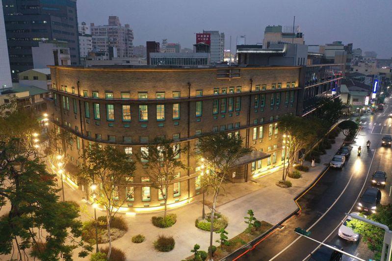 嘉義市立美術館昨晚開幕點燈。 圖/嘉義市政府提供