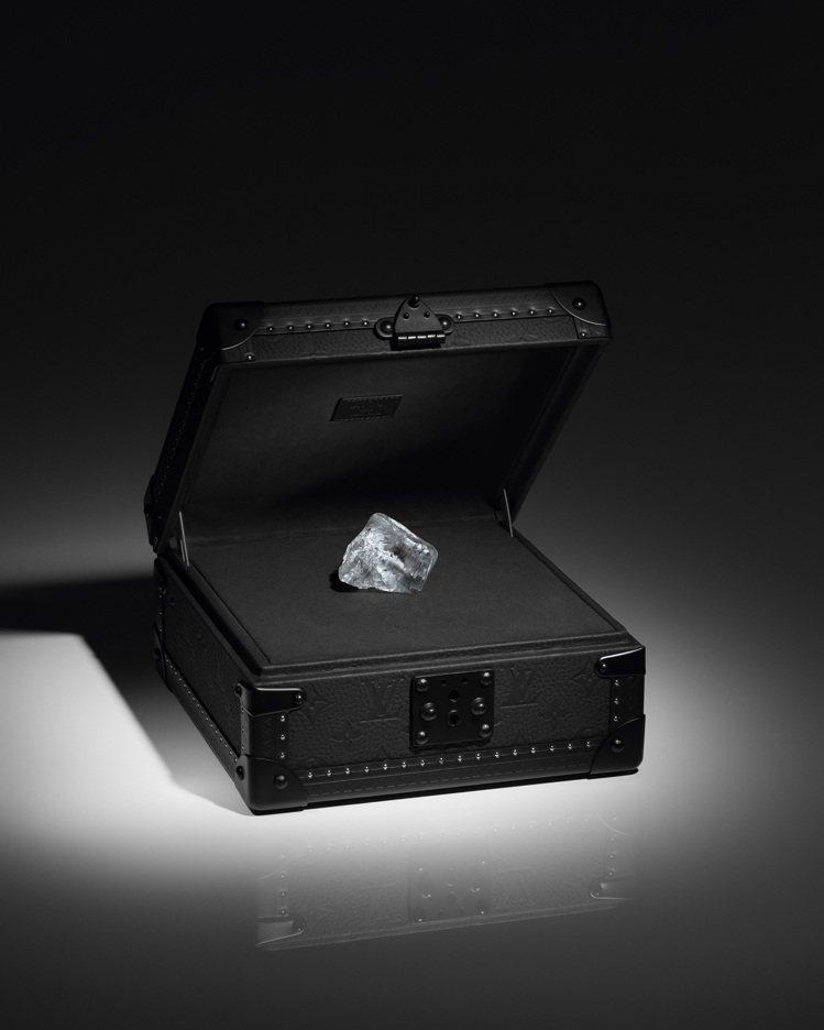 路易威登推出名為Sethunya的優質549克拉鑽石原石,將為頂級客戶提供終極客...