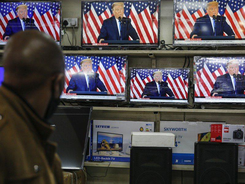 美國總統川普在美東時間5日下午六點多發表演說,指郵寄選票是非法選票,遭多家電視網中斷直播,提出更正。圖為示意圖。美聯社