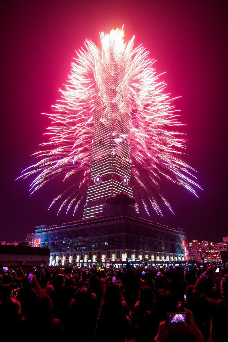 台北君悅二樓凱寓跨年煙火派對。圖/台北君悅提供
