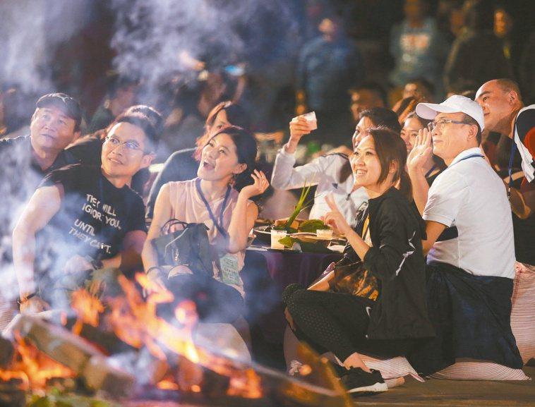 部落餐桌以多種阿美族特色食材入菜。記者林澔一╱攝影