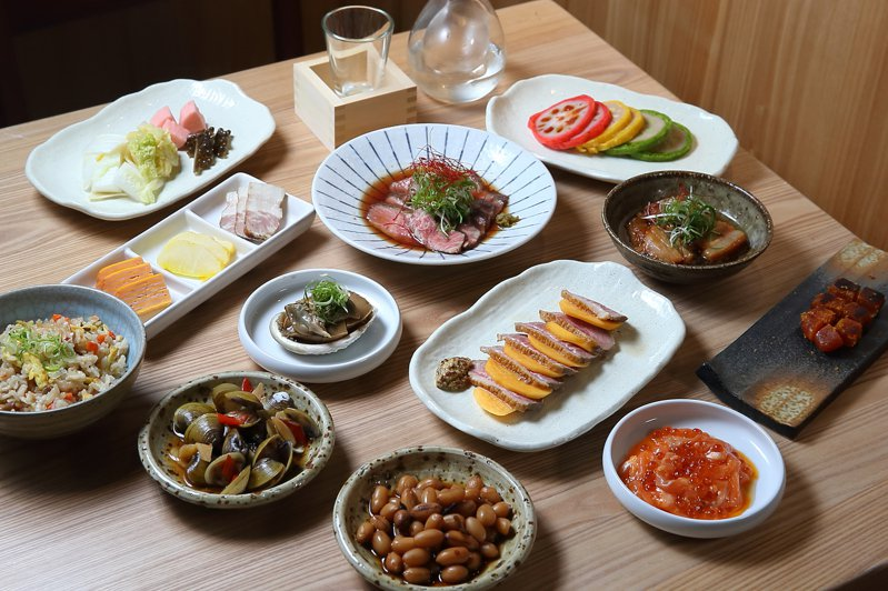 小旬採提供有約40款的不同料理。記者陳睿中/攝影
