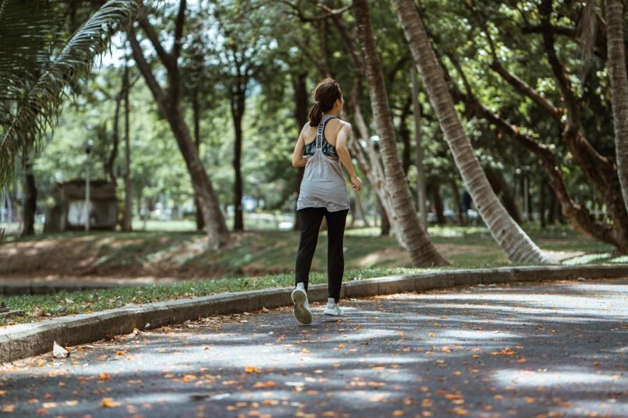 研究人員説明運動,和我們「身體內的生理節律變化」,其實是有關的。違反自然生理 ,...