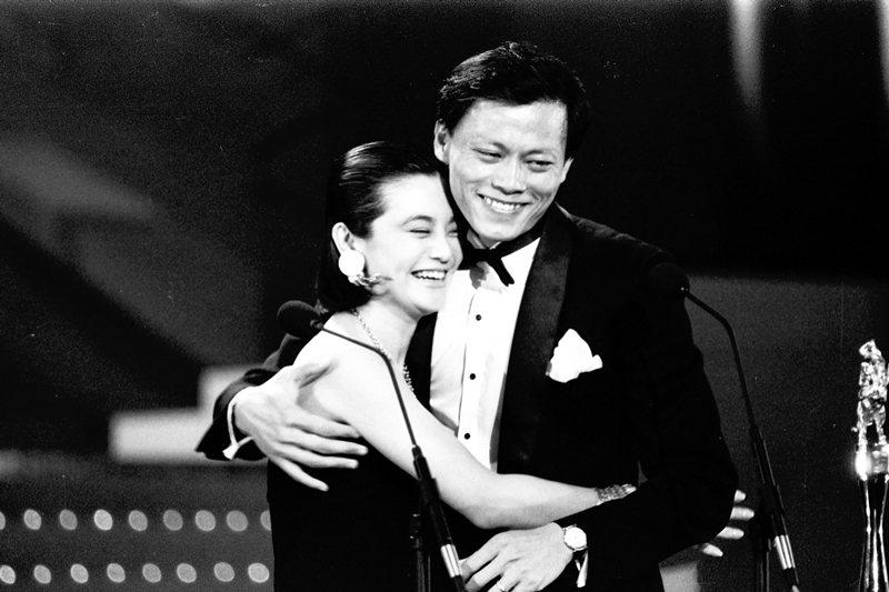 1985年,張毅(右)以《我這樣過了一生》奪得金馬獎最佳導演。 圖/聯合報系資料照