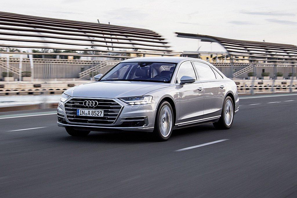 Audi A8車系新增A8 55 TFSI quattro汽油短軸版車型,動力規...