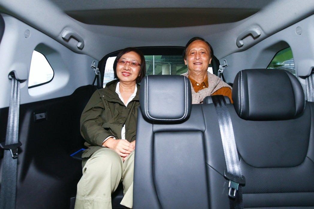 第三排座椅即便是成年人乘坐也相當充裕。 記者葉信菉/攝影