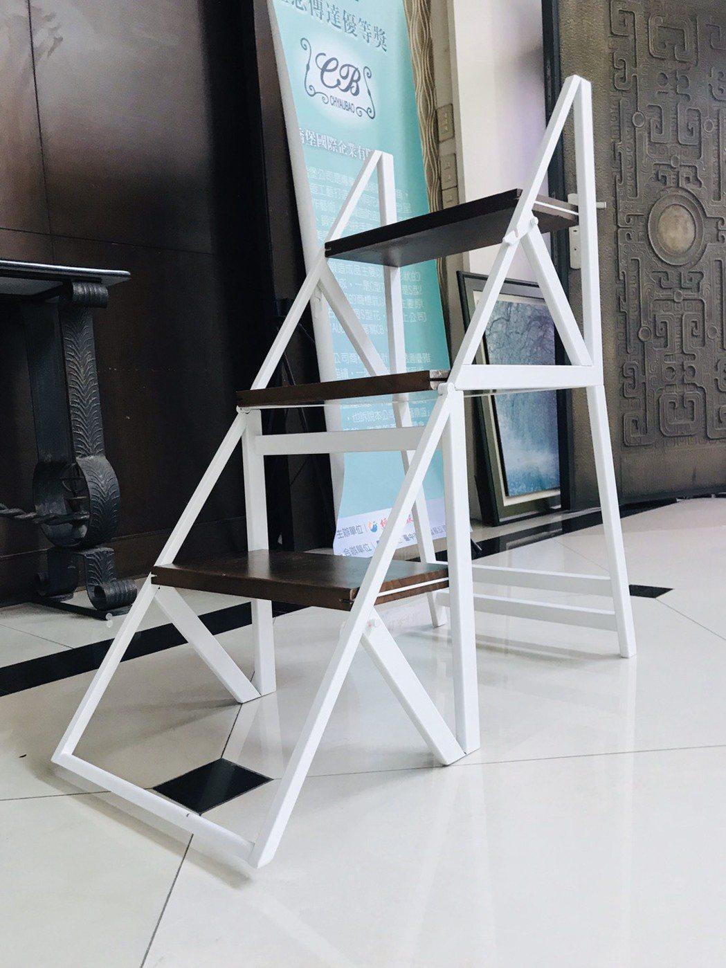 喬堡推出的多功能梯椅,銀髮族、女性朋友也能輕鬆搬移與使用。 喬堡/提供