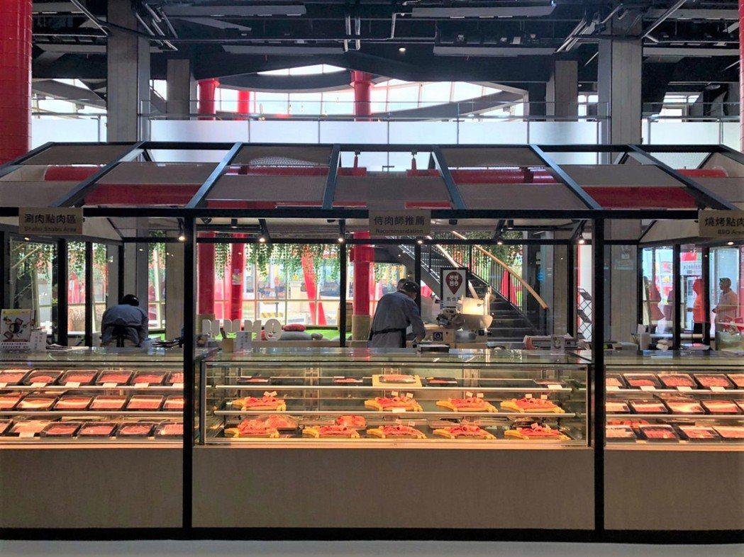 觀光工廠內的肉品市集。 呂政道/攝影。