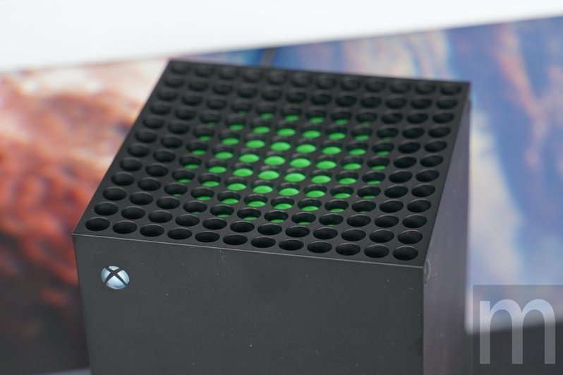 ▲Xbox Series X上方具標誌性的散熱機制設計