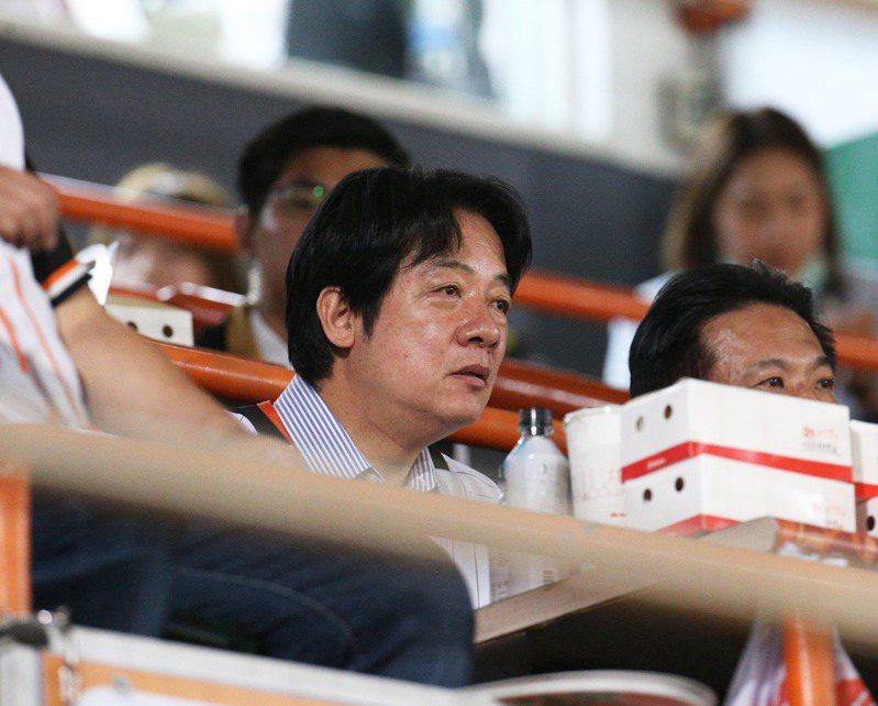 中華職棒總冠軍戰副總統賴清德專程前來觀戰,神情專注。圖/聯合報系資料照片