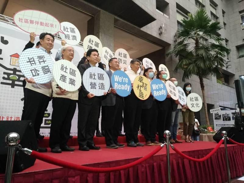 市長柯文哲表示,未來的台北藝術中心就是要振興士林商圈;至於完工的大巨蛋也不會單獨存在,會與國父紀念館、松菸、台北機廠等整區塊發展。記者林麗玉/攝影