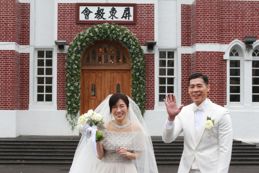 知名舞蹈藝術家、藝人KIMIKO(左)和台北市立大學運動藝術學系教授兼系主任王家...