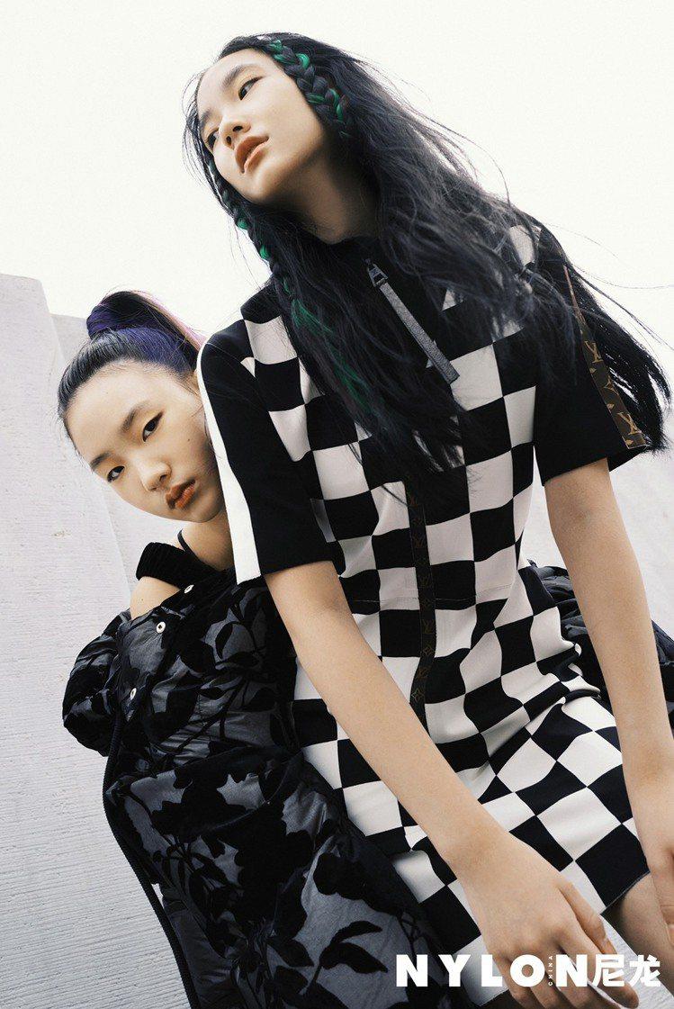 小S的兩個女兒為雜誌合體拍照。圖/摘自NYLON